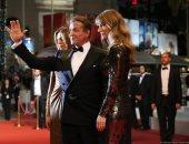 صور.. سيلفستر ستالون وزوجته وابنتهما على السجادة الحمراء لمهرجان كان السينمائى