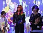 ميلانيا ترامب وزوجة رئيس الوزراء اليابانى فى معرض للفنون الرقمية بطوكيو