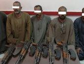 ضبط 5 أشخاص بسوهاج قتلوا اثنين من أبناء عمهم بسبب خلاف على الأرض