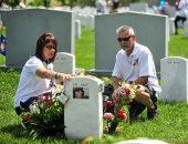 """شاهد.. """"اليوم السابع"""" يرصد احتفالات الأمريكيين بيوم """"المحاربين القدامى"""".. عروض موسيقية وقوافل احتفالية لعسكريين من وحدات الجيش.. لافتات شكر لتضحيات الأبطال.. وترامب: بفضل المقاتلين الأمريكيين البغدادى مات"""