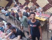 """""""يلا نكمل لمتنا"""".. نشأت يشارك صور إفطار جماعى  بمنشية ناصر بحلوان"""