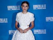 """ميلى بوبى براون بعرض """"Godzilla"""" فى باريس مرتدية فستان بإمضاء Givenchy"""