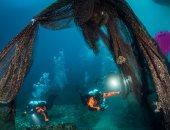 """الحياة البحرية فى خطر"""" الغواصون فى اليونان ينظفون قاع المتوسط لحماية فرس النهر"""