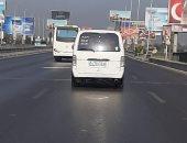 أمن أسيوط يكشف حقيقة العثور على طفل داخل سيارة ميكروباص