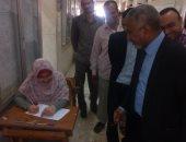 نائب رئيس جامعة الأزهر يتفقد امتحانات كلية الصيدلة بفرع أسيوط