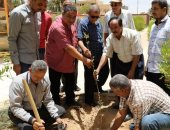 صور .. تدشين مبادرة لغرس 3000 شجرة مثمرة بالمدارس فى الوادى الجديد