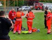 صور.. سقوط طفل من ارتفاع 10 أمتار خلال لعبة قطار الموت فى متنزه بانجلترا