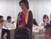 ملكة الأردن تقدم محشى ورق عنب أعدته بنفسها لمجموعة شباب خلال محاضرة..فيديو