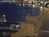 شاهد.. لحظة اصطدام باخرة بسفينة سياحية فى المجر
