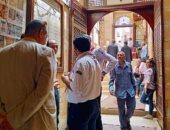 صور.. توافد الأقباط لحضور احتفالية عيد دخول المسيح مصر بكنائس زويلة الأثرية