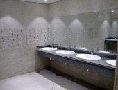 شاهد.. تطوير حمامات غرف خلع الملابس فى استاد القاهرة