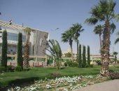 """شاهد ..طريق """"ميدان عبد المنعم رياض - الاحياء"""" بعد زراعته بالنباتات الصيفية بالغردقة"""