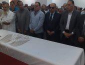 محافظ الشرقية يتقدم جنازة الشهيد عمر ياسر.. ويؤكد: دماؤكم لن تضيع هباءً