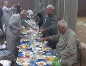 شراقوة ومنايفة.. عائلة تنظم إفطار جماعى لأهلها من 3 محافظات مختلفة