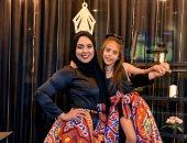 إنجى بنت المنصورة تشارك بتصميمات رمضانية متشابهة للأم وابنتها