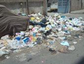 تراكم القمامة أمام مكتب البريد مشكلة أهالى شبرا مصر