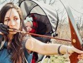 قلبها ميت.. أم أمريكية تأخذ طفلتها صاحبة الـ9 شهور معها للصيد