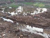 أهل قرية الرملة فى بنها يشكون كسر ماسورة الرى وتسريب وإهدار المياه
