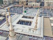 صور.. السعودية تؤدى صلاة عيد الفطر والمسجد النبوى عامراً بالمصلين
