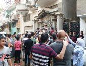 تأخر نزول محمد صلاح لأداء صلاة عيد الفطر بسبب الزحام أمام منزله