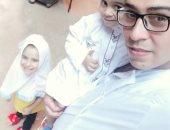 العيد يحب اللمة.. محمد يشارك بصور احتفالاته بالعيد مع أطفاله