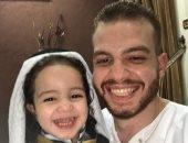 العيد فرحة.. عزت يشارك بصور ملابس العيد لطفله من القليوبية