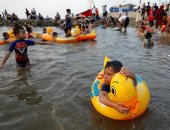 """""""ضحك ولعب وفرحة"""".. احتفال المسلمين حول العالم بثانى أيام العيد (صور)"""