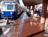 """""""النقل العام"""" بالإسكندرية: غسل محطات الترام وتكثيف الخطوط على الشواطئ"""