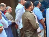 شكوى من تكدس المواطنين حول فرن الخبز بشارع عمر الأصفر  فى بولاق الدكرور