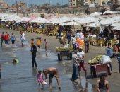 صور.. اقبال كبير على شاطئ بورسعيد والحدائق والمتنزهات فى ثالث أيام عيد الفطر