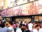 طوابير وزحام أمام دور السينما بوسط البلد فى ثالث أيام عيد الفطر