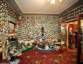 """رومانسية رجل تحول منزله إلى متحف لـ""""الصدف"""" بعد وفاته بـ12 سنة.. صور"""
