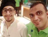 محمد خالد: يشارك بصورة له وأصدقائه من السعودية: وحشانى مصر