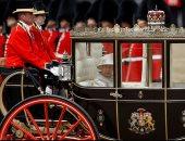 1400 جندى و300 حصان.. شاهد العرض العسكرى لعيد ميلاد الملكة اليزابيث الـ93