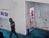 """""""لم يتركو حتى الميكرفون"""".. شاهد سرقة محتويات مسجد فى الجزائر"""