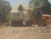 صور .. رفع 165 طن قمامة و7 حالة إشغالات من شوارع بنى سويف