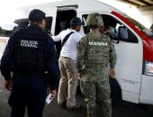 الشرطة المكسيكية تعتقل مهاجرين حاولوا الوصول للحدود الأمريكية