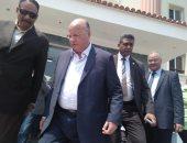 صور.. محافظ القاهرة يتفقد مصابى حادث طرة.. وسقوط 14 حالة وفاة