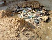 أهالى منشية السلام بالإسماعيلية يشكون من حفرة ناتجة عن كسر ماسورة مياه