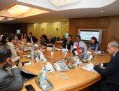 محافظ قنا ووفد البنك الدولى يستعرضان الموقف التنفيذى لمشروعات برنامج التنمية