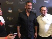 صور.. جمهور الإمارات يلتف حول أمير كرارة بعد مشاهدة «كازابلانكا»