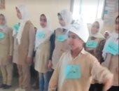 """""""مسرحية النحو"""".. مدرس يبتكر طريقة جديدة لتعليم قواعد اللغة العربية (فيديو)"""