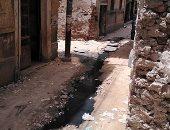 شارع باب الشعرية بالزقازيق يغرق فى مياه الصرف الصحى
