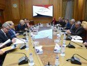 العصار ومحافظ أسوان يناقشان المشروعات الجارى تنفيذها لتطوير المحافظة
