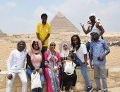 """صور.. جولة سياحية بمنطقة الأهرامات لطلبة منحة """"ناصر للقيادة الافريقية"""""""