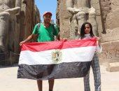 صور.. رحالة مغربى يستمتع بمعابد الأقصر ويتجه للقاهرة لمتابعة كأس أفريقيا