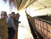 رئيس الوزراء يتفقد الموقع المقترح لنقل مركبى خوفو بالمتحف المصرى الكبير