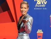 جادا سميث ببدلة فضى كاملة فى حفل جوائز MTV للتلفزيون والسينما لعام 2019