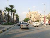 سيارة بدون لوحات معدنية تصول وتجول فى شارع الهرم بالجيزة
