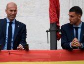 سيبايوس إلى زيدان مدرب ريال مدريد: لا أريد العمل معك